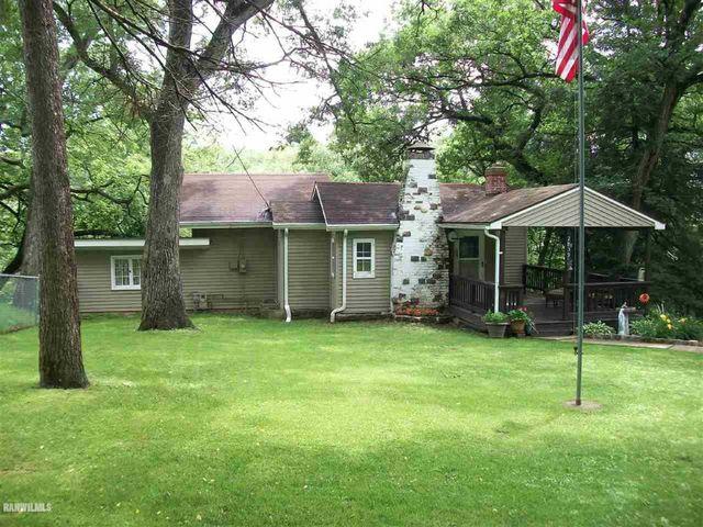 2839 Cottage Ln, Freeport, IL 61032