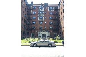 590 E 3rd St Apt 3B, Mount Vernon, NY 10553