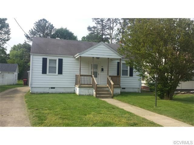 213 Maple Ln, Colonial Heights, VA 23834