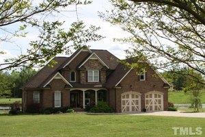 151 Fieldstone Dr, Holly Springs, NC 27540