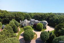 105 Greenfield Hl, Franklin Lakes, NJ 07417