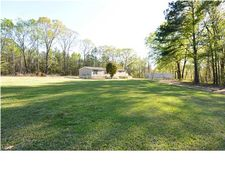 697 Red Hollow Rd, Wetumpka, AL 36092