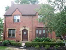 2584 Charney Rd, University Heights, OH 44118