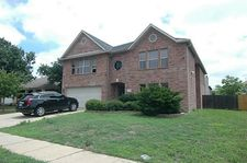 3164 Pine Valley Dr, Grand Prairie, TX 75052
