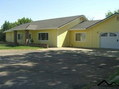 19825 Meadow View Rd, Red Bluff, CA