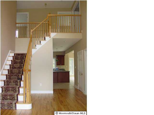 146 county road 522 manalapan nj 07726 for Kitchen cabinets 07726