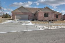 903 Mitchell Dr, London, OH 43140
