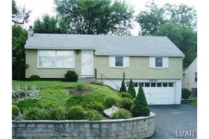 2908 Reading Rd, South Whitehall Twp, PA 18103