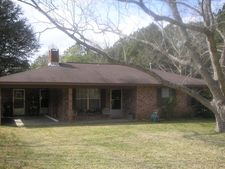 4981 Highway 15, Louin, MS 39338