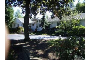 Photo of 16 Fairbanks Blvd,Woodbury, NY 11797