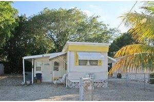 72 Avenue C, Key Largo, FL 33037