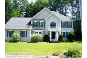 10 Owls Head Dr, Nashua, NH 03063