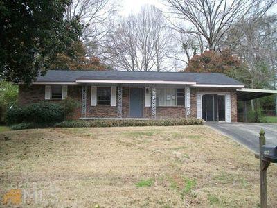 8047 Devonshire Dr, Jonesboro, GA