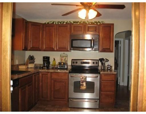 26 Claire St, Chicopee, MA 01020