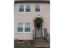 4 Washington Pl, Newburgh, NY 12550
