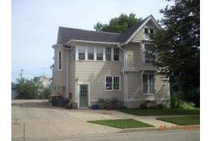 108 Jefferson St, City of Burlington, WI 53105