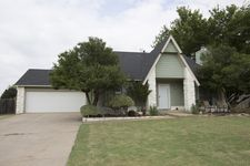 1237 Forest Ln, Catoosa, OK 74015