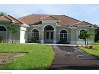 141 10th Ave NW, Naples, FL 34120