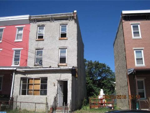 3855 Fairmount Ave, Philadelphia, PA 19104