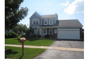 1724 Harrison Ave, Mundelein, IL 60060