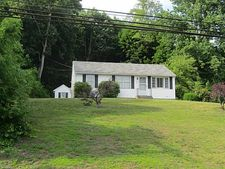 26 E Main St, Plainfield, CT 06332