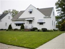 1701 Byron Dr, Mayfield Heights, OH 44124