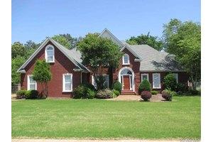 130 Princeton Pl, Jackson, TN 38305
