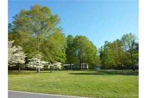 2801 Stevens Mill Rd # A, Matthews, NC 28104
