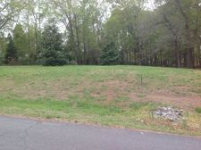 105 Riverchase Dr, Boiling Springs, NC 28017