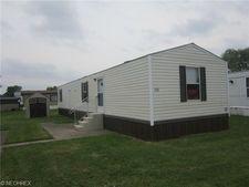 110 Kenny Brook Ln, Elyria, OH 44035