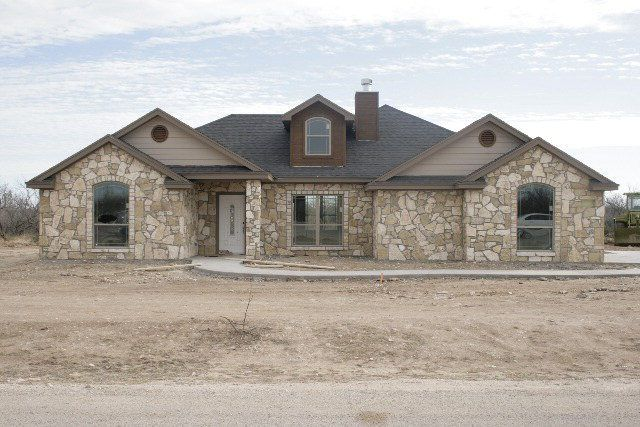 8105 bison trl san angelo tx 76901 for Home builders san angelo tx