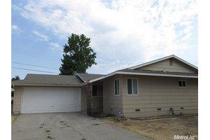 1028 Hedge Ave, Olivehurst, CA 95961