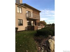 6511 Maple Lakes Ct, West Bloomfield Township, MI 48322