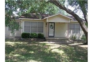104 Moerbe, Thorndale, TX 76577