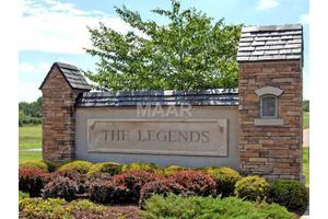 9965 Legends Dr, COLLIERVILLE, TN 38139