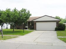 6240 Beacon Tree Ct, Huber Heights, OH 45424