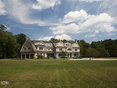 1385 Smith Ridge Rd, New Canaan, CT