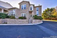 41 Oakwell Farms Pkwy, San Antonio, TX 78218