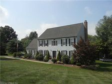 5 Pond Meadow Pl, Middlefield, CT 06455