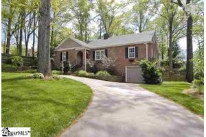 7 Pinehurst Dr, Greenville, SC 29609