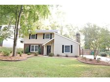 4208 Woods End Ln, Charlotte, NC 28277