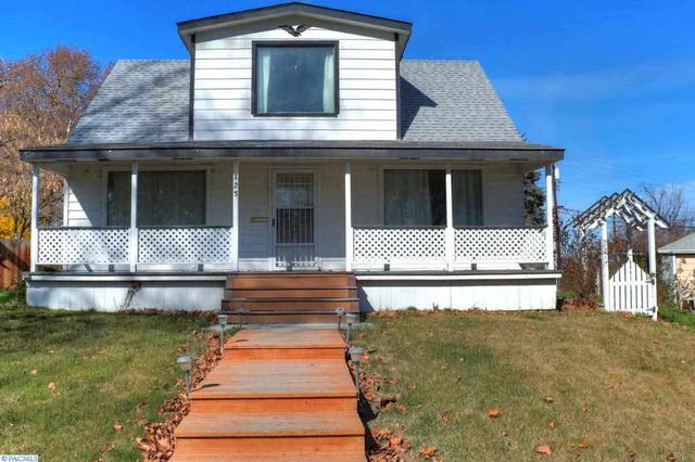 125 n newport st kennewick wa 99336 home for sale and