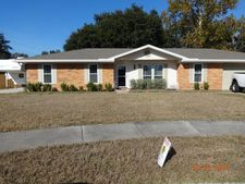 6041 Shadow Oak Ct, Jacksonville, FL 32277