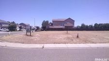 750 Shadowbrook Ln, Manteca, CA 95336