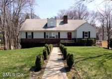 33 Lockwood Ln, Riverside, CT 06878