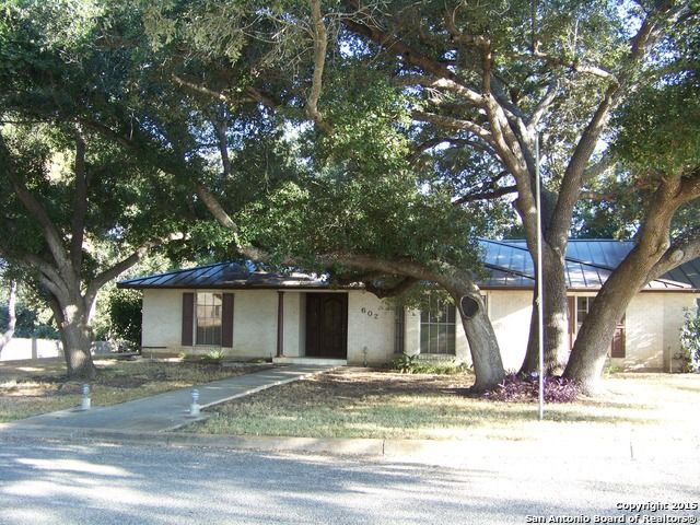 602 elm st floresville tx 78114 home for sale and real estate listing