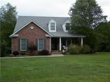 6297 Hickory Dr, Centerville, TN 37033