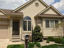 55 Hickory Ct, Dearborn Heights, MI 48127
