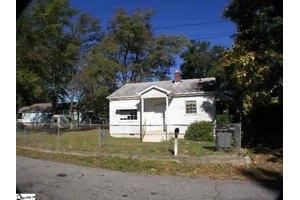 403 Flora Ave, Greenville, SC 29611