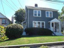 46 Sterling Ct, Huntington, NY 11743